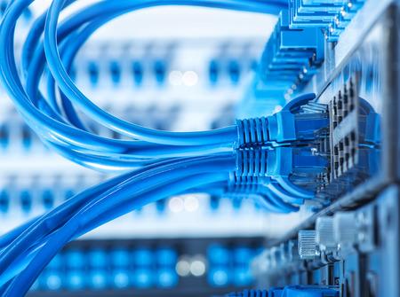 electricien-electricite generale-reseaux informatiques-controle d'acces-systemes d'alarme-installations electriques-entreprise d'electricite